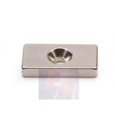 Неодимовый магнит призма 20х10х3 мм с зенковкой 3/7 мм
